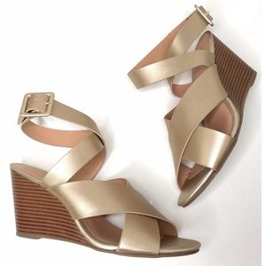 LOFT Ann Taylor Womans Cris Cross Wedge Sandals